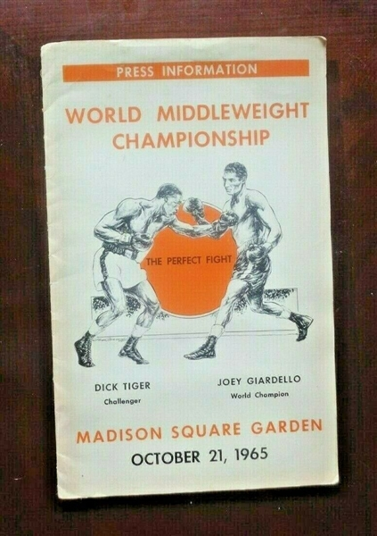 Joey Giardello vs Dick Tiger 1965 World Middleweight Championship Press Kit NO RESERVE