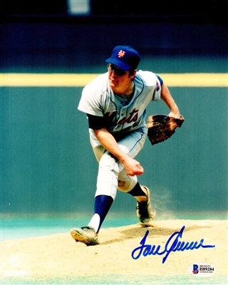 Tom Seaver Signed New York Mets Pitching Action 8x10 Photo