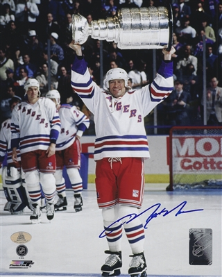 New York Rangers Captain Mark Messier Signed 8x10 Photo Holding The Stanley Cup