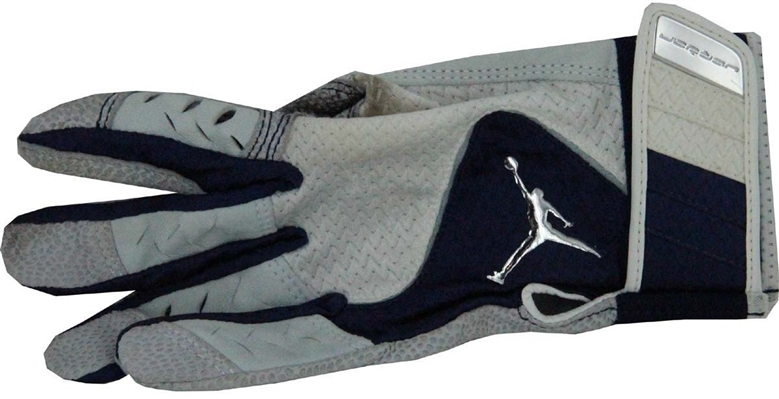Derek Jeter 2011 Spring Training Used Batting Glove (Single) uns
