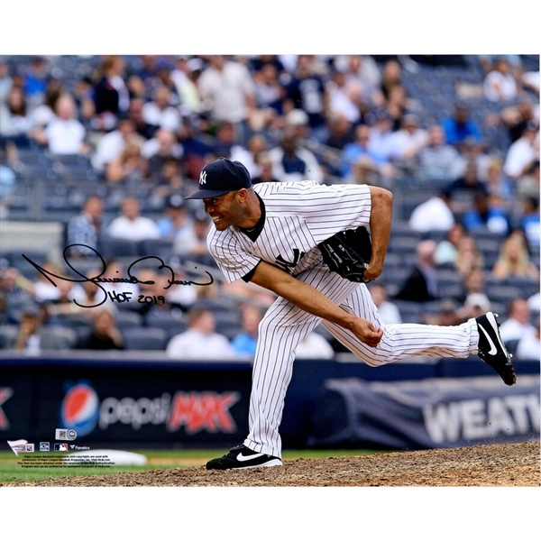 Mariano Rivera New York Yankees Autographed 16 x 20 Pitching Photograph