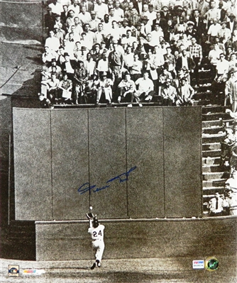 Willie Mays Signed San Francisco Giants World Series B&W The Catch 16x20 Photo (PSA/DNA)