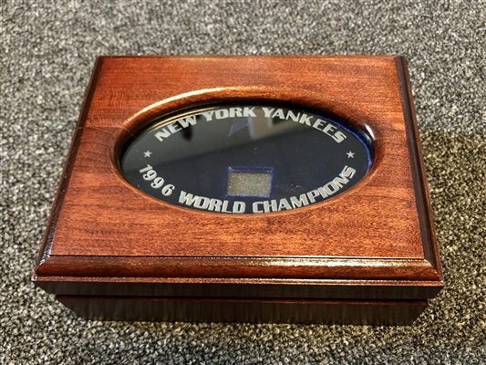 New York Yankees 1996 Balfour original Players World Series Championship Cherry and Etched glass Ring boxes